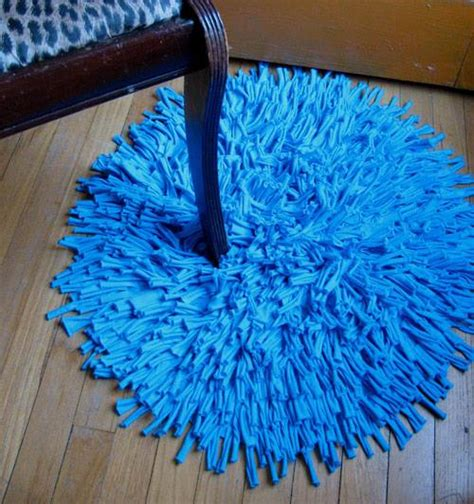 How To Make A Diy Bathroom Carpet With Old T Shirts Diy Bathroom Rug