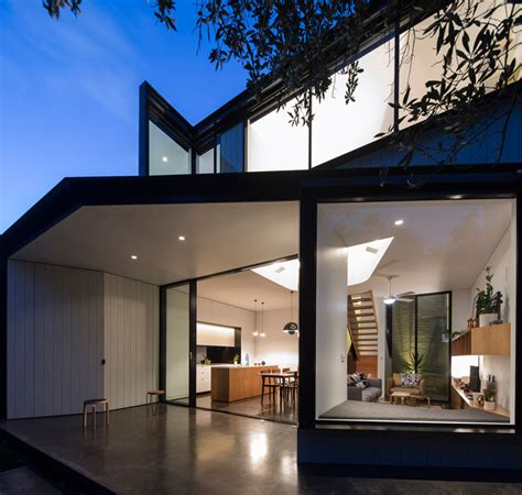 famous living architects christopher polly designs an angular rear extension for this house in sydney contemporist