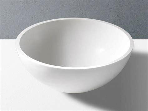 lavabo in corian lavabo da appoggio tondo in corian solid surface pantheon