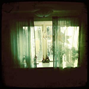 Erdgeschosswohnung Fenster Sichtschutz by Gardinen Als Fensterdekoration Und Sichtschutz