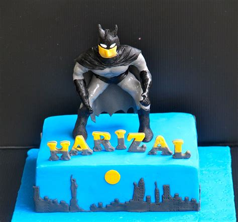 emas creation batman cake