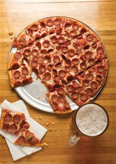 hound dogs pizza 8 best images about columbus style pizza on pizza the shorts and pizza