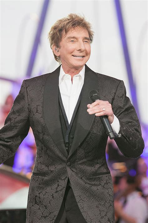 Barry Manilow Says Back Hasselbeck by Photos Barry Manilow Pics Of The Iconic Singer