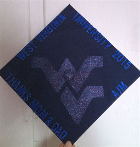 1000 Ideas About Graduation Hats 1000 Ideas About Graduation Cap Designs On