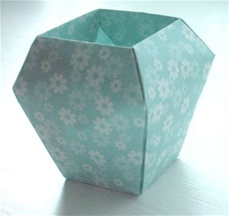 Simple Origami Vase - origami paperfolding for by eric kenneway book review