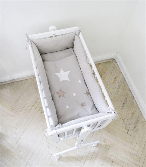 tour de lit pour berceau etoile taupe gigoteuse