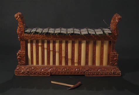 Pitch and tuning of Balinese gamelan orchestras