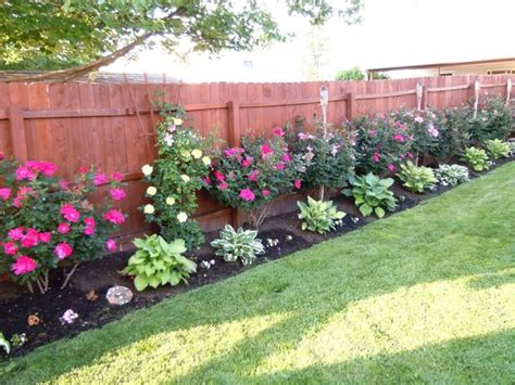 Fence Line Garden Ideas Best 25 Fence Landscaping Ideas On Pinterest Landscaping Along Fence Garden Ideas Along