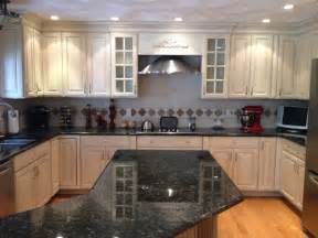 Milk Painted Kitchen Cabinets Glazed Kitchen Cabinet Makeover Here A Kitchen Is Painted With A General Finishes