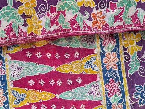 Pertiwi Blouse batik from borneo kuching we think this batik produced