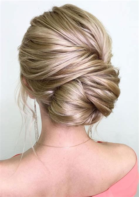loose buns for chin to shoulder length hair best 20 best hairstyles ideas on pinterest