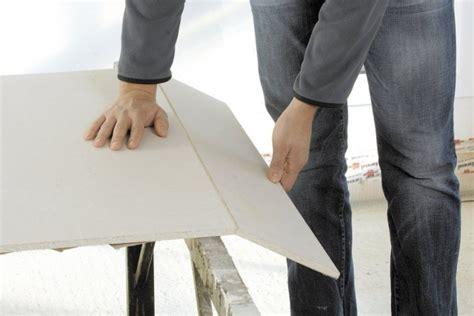 gipskartonplatten bearbeiten werkzeug um rigips zu schneiden