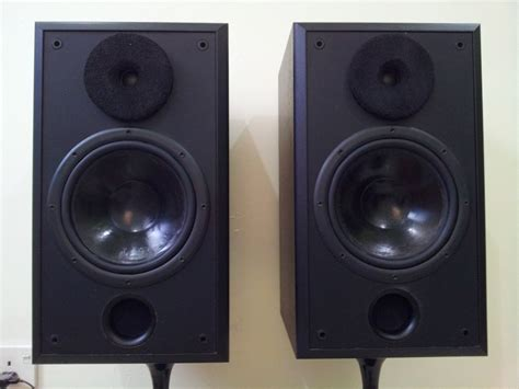 acoustic research ar 208ho bookshelf speaker used
