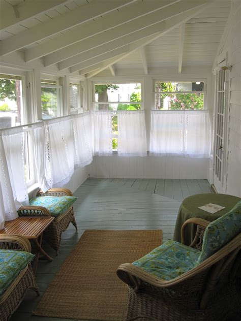 Enclosed Sun Porch Martha S Vineyard Home Style Wicker Furniture Sunroom