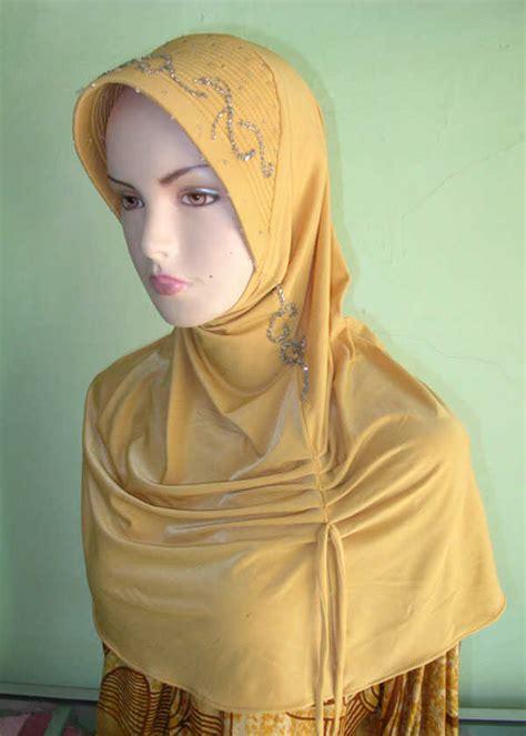 Jilbab Serut Lycra kerudung cantik menyediakan kerudung ekonomis yang cantik