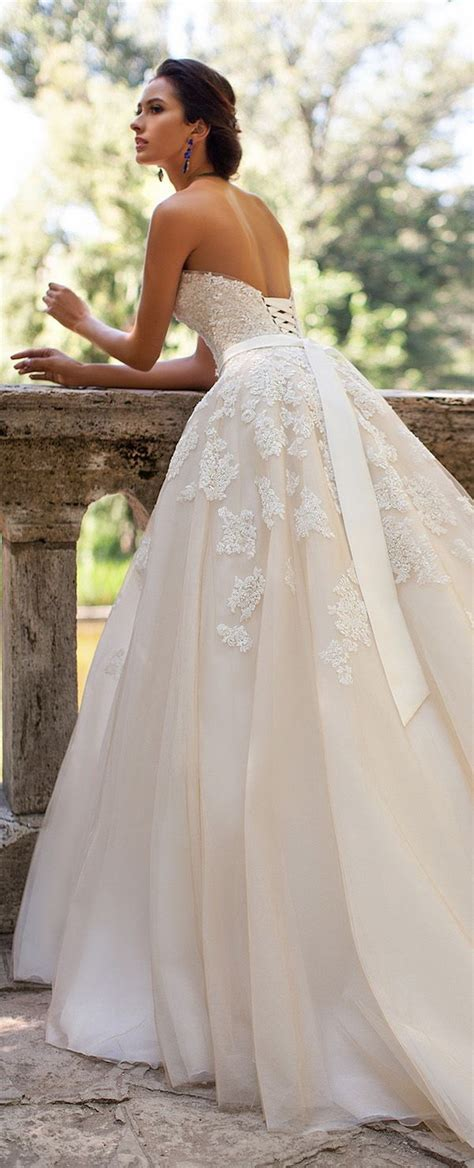 Wedding Dresses Ideas by The 25 Best Ivory Lace Wedding Dress Ideas On