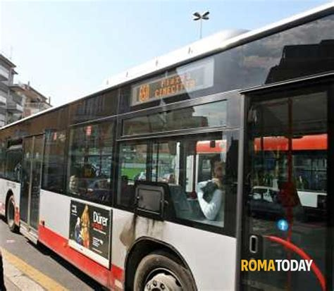 autobus porte di roma quot si scende dalle porte centrali quot l autista atac che fa