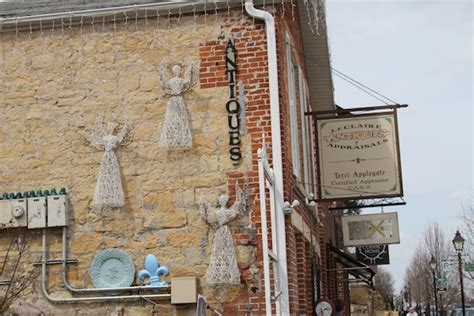 Quilt Shop Leclaire Iowa by American Pickers Whiskey In Charming Le Ia Just Of