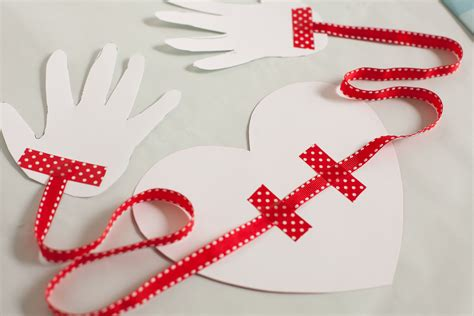 Printable Valentine Paper Crafts | free valentine printable hug project nursery