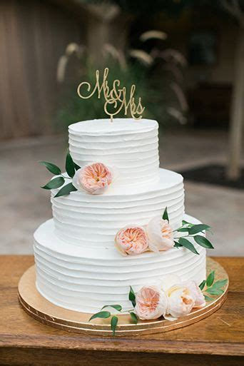 Flowered Wedding Cakes by Simple And Flowered Wedding Cake Cake