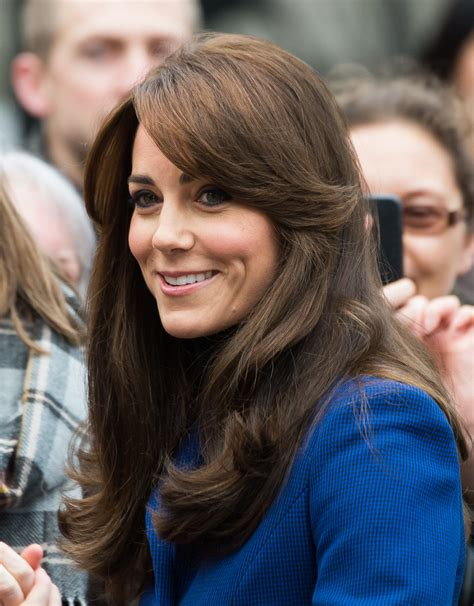 get the look kate middletons autumnal fringe hair the 30 most iconic fringe moments of all time stylecaster