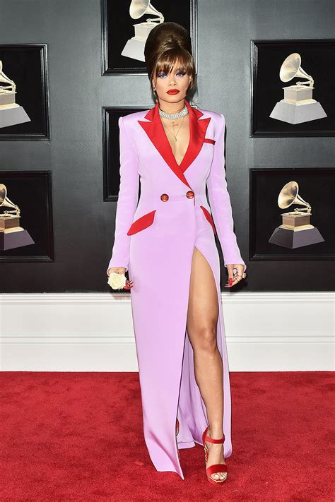 Carpet Ready For The Grammys by 2018 Grammys Fashion The Best Dressed On The