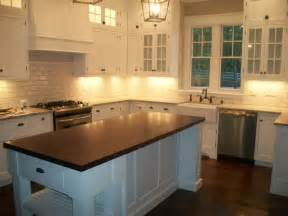 Upper cabinets with glass doors lighted upper cabinets kitchens