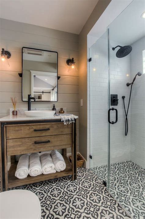 guest bathroom ideas casual cottage best 25 small cottage bathrooms ideas on pinterest