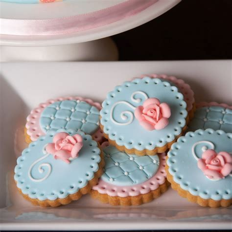 Shaby Mikhayla 17 best ideas about shabby chic cupcakes on