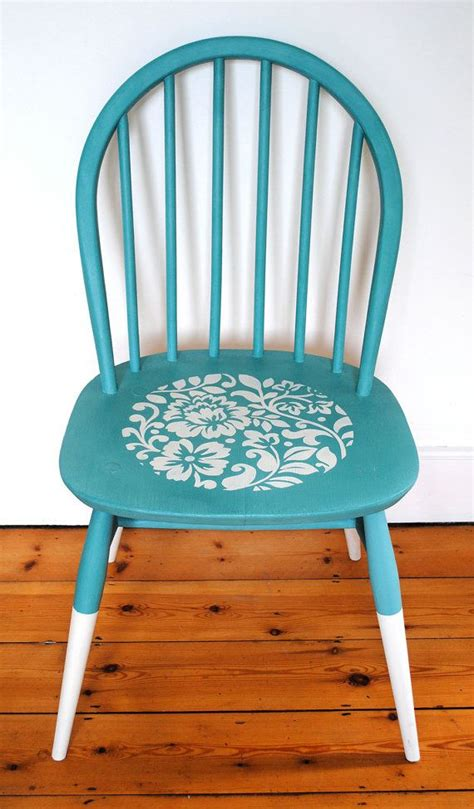 chalk paint upcycled furniture 25 best ideas about chalk paint chairs on