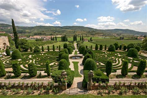 Allée De Jardin En 3955 by Il Giardino All Italiana Villa Arvedi