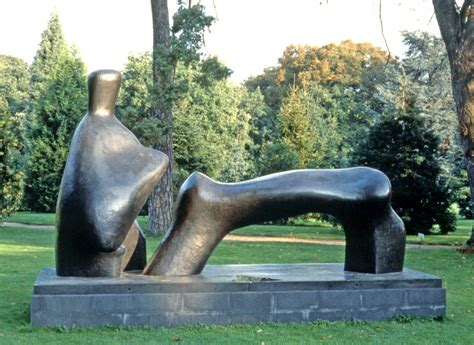 reclining figure by henry moore the new york botanical garden