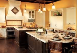 painting kitchen cabinets two different colors pin by tawana lachette on kitchen ideas pinterest