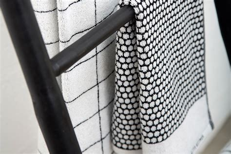 Black And White Bathroom Towels by Black And White Towels Modern Cotton Towels