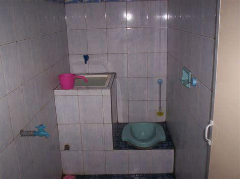 desain kamar mandi dengan toilet jongkok desain kamar mandi kloset jongkok wc jongkok