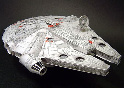 Millenium Falcon Papercraft - papercraft millenium falcon build it yourself