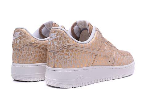 Shoes Sport Nike Air One Putih Gold Casual Cewek 2017 new nike air 1 07 lv8 af1 white gold 718152
