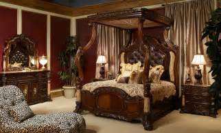 Princeton Manor Canopy Bedroom Set Buckingham Palace Bedrooms Decobizz