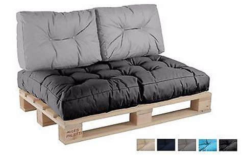 riesen kissen sofa best 25 wooden sofa ideas on built in sofa