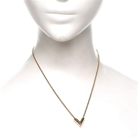 V Necklace louis vuitton essential v necklace gold 222012