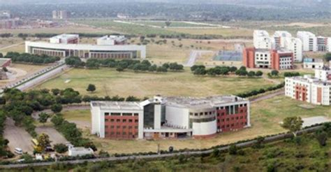 Mba In Jaipur by Secure Your Career With An Mba From A Top Institute