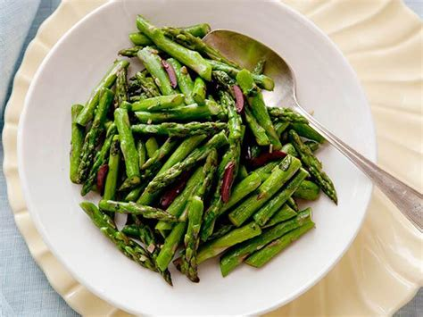 Springtime Side Sauteed Asparagus by Sauteed Asparagus With Olives And Basil Recipe Food
