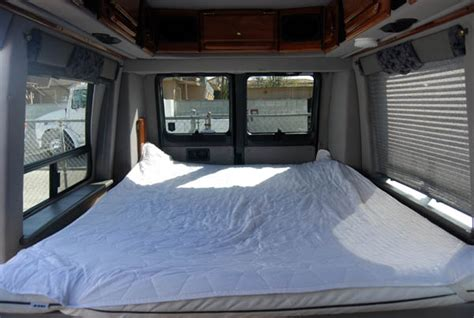 Rent A Sleeper by 17ft Sleepervan High Top Rental New York Los Angeles San Francisco Miami And Cross Country