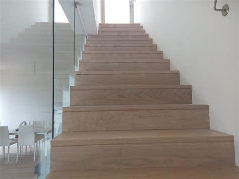 rivestimento scala in legno progetto di rivestimento di una scala in legno idee