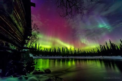 what causes northern lights alaska what causes the borealis