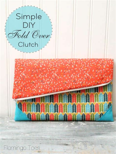Handmade Clutch Bags Tutorial - 21 easy sewing tutorials gifts to sew