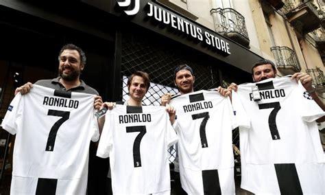 ronaldo 7 juventus lazio ronaldo alla juve boom social e guadagni record per i bianconeri primapagina calciomercato