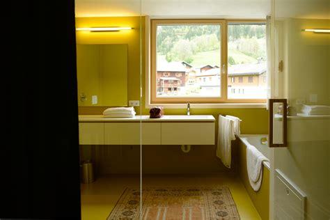 farbgestaltung wände beispiele pendelleuchten fuer wohnzimmer