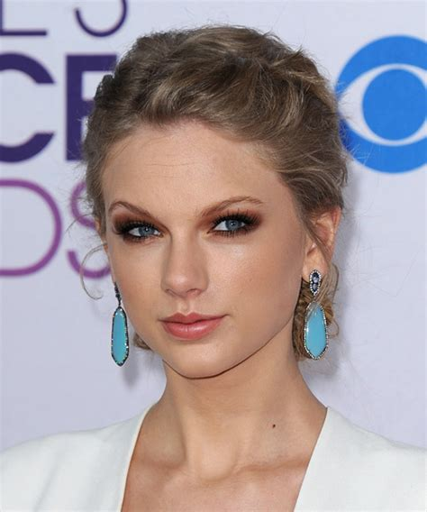 taylor swift updo back view taylor swift updo long curly casual braided updo hairstyle
