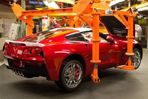 corvette plant bowling green kentucky 2014 corvette stingray assembly in our exclusive photos